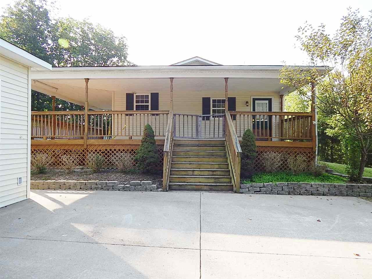 real estate photo 1 for 619 Ky Highway 36 W Williamstown, KY 41097