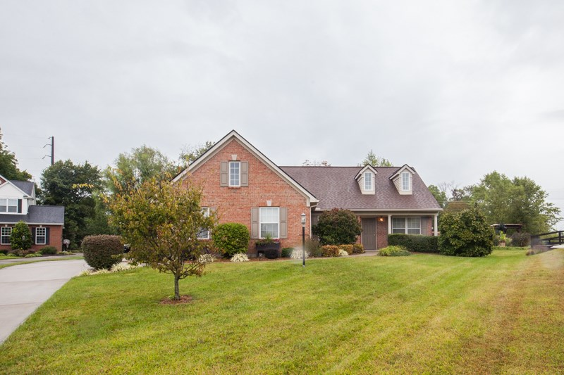 real estate photo 1 for 3598 Mccall Burlington, KY 41005