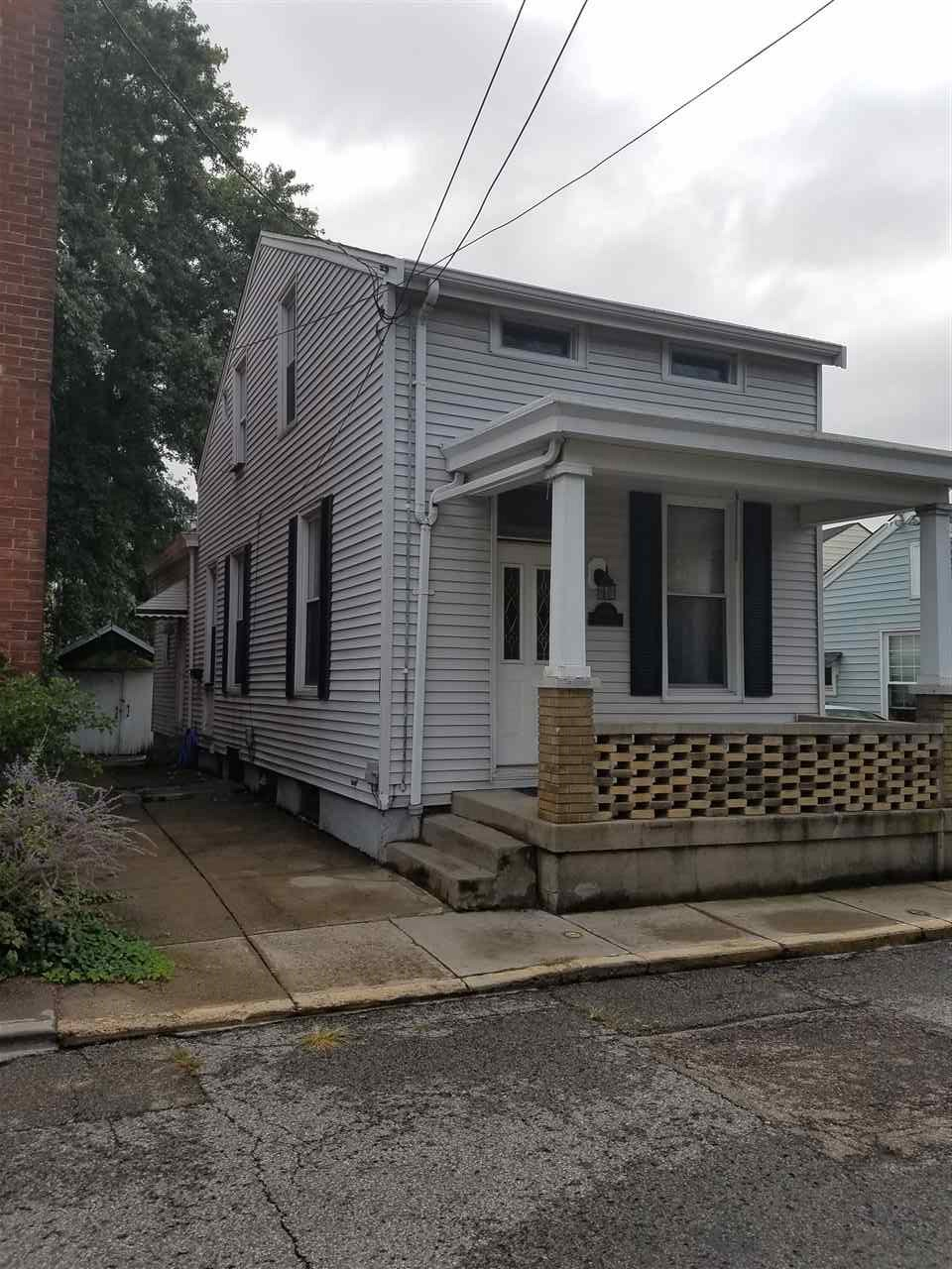 real estate photo 1 for 808 Roberts St Newport, KY 41071