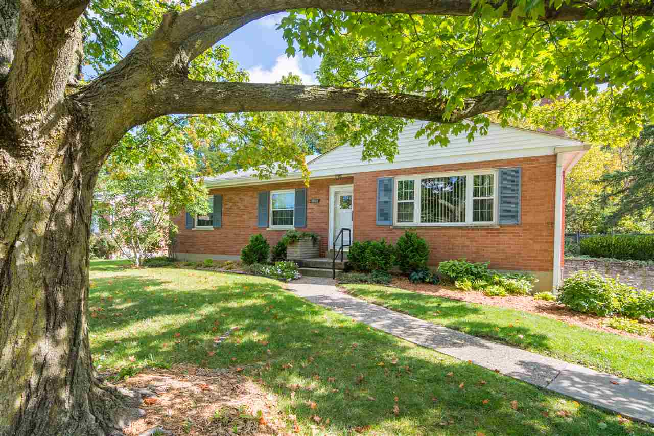 real estate photo 1 for 1400 Vidot Court Fort Wright, KY 41011