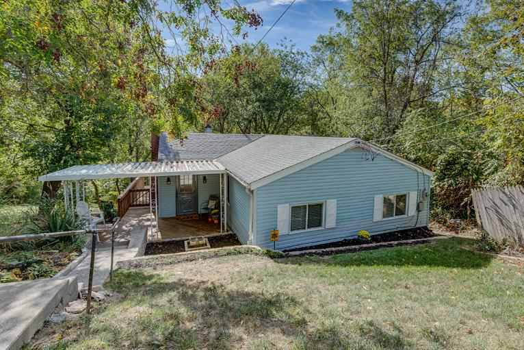 Photo 1 for 231 W Walnut St Southgate, KY 41071