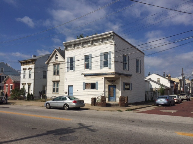 real estate photo 1 for 341 E 10th St Newport, KY 41071