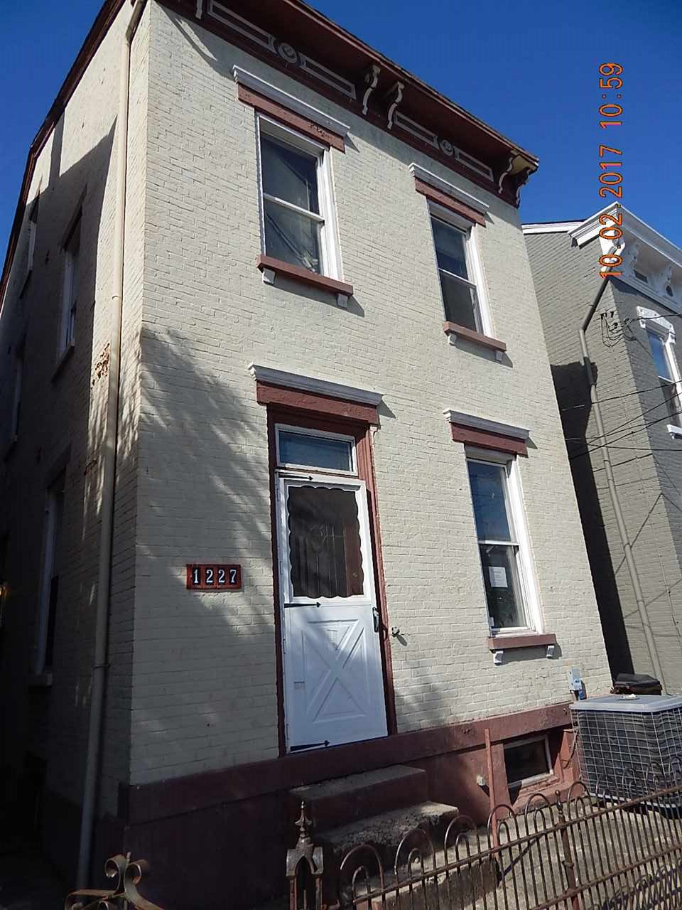 real estate photo 1 for 1227 Holman Ave Covington, KY 41011