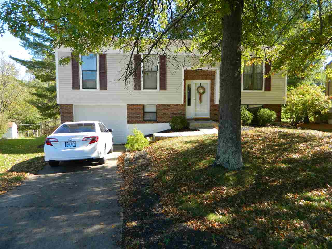 real estate photo 1 for 6218 Ridgewood Florence, KY 41042