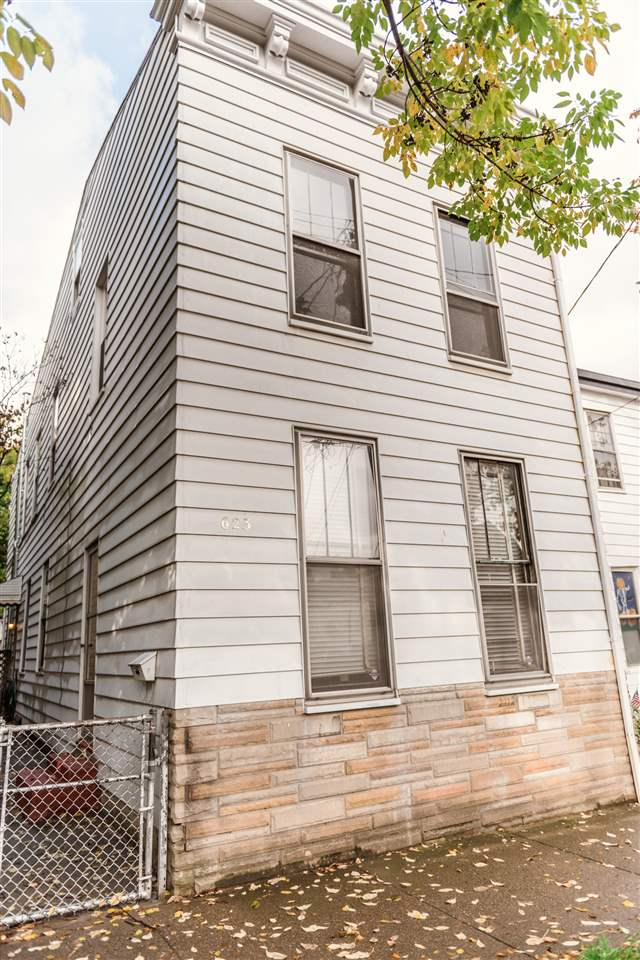 real estate photo 1 for 623 Bakewell St Covington, KY 41011