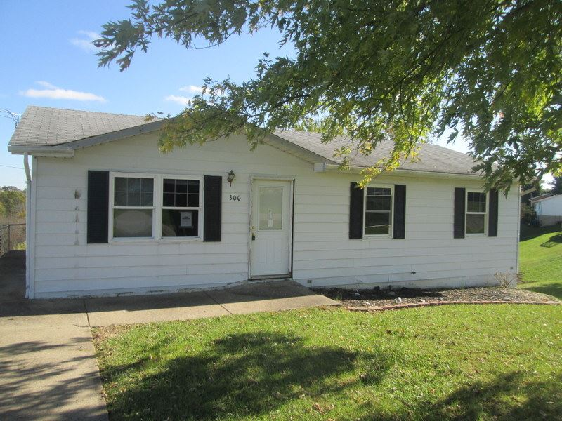 Photo 1 for 300 Southern Williamstown, KY 41097