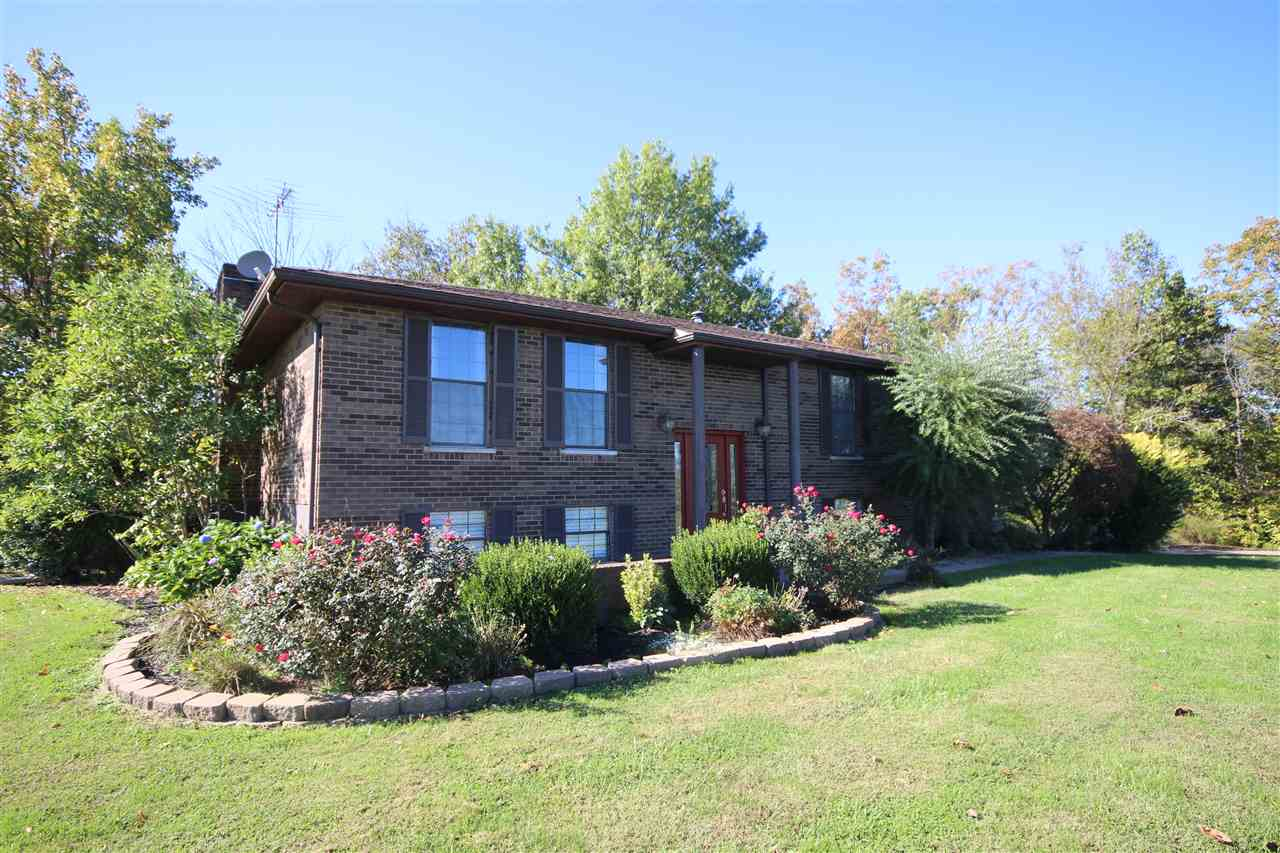 real estate photo 1 for 740 Heekin Rd Williamstown, KY 41097