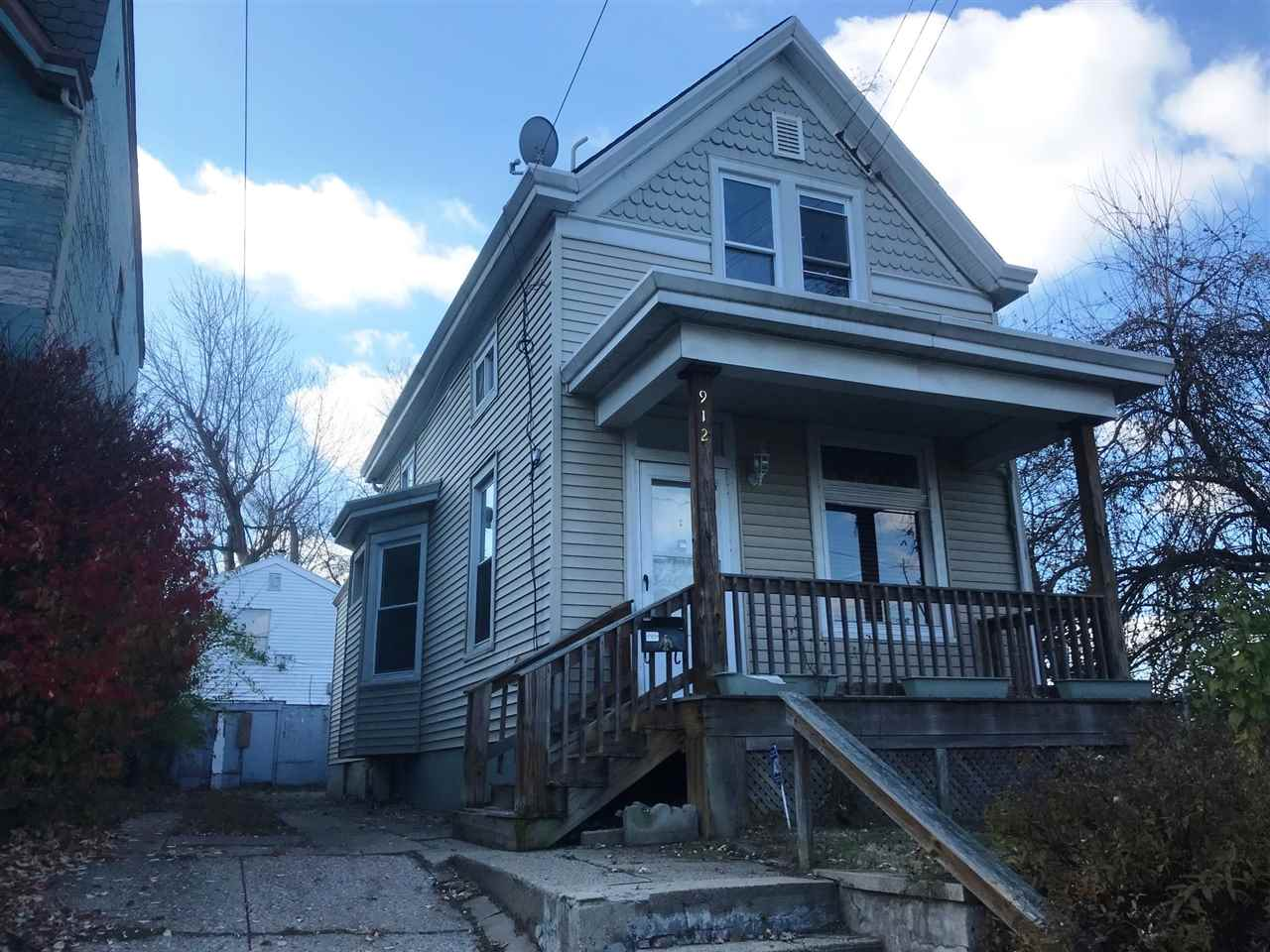 real estate photo 1 for 912 Thornton St. Dayton, KY 41074
