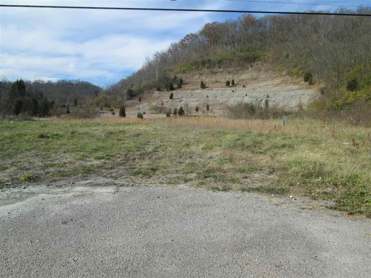 Photo 2 for 3388 Madison Pike Fort Wright, KY 41017