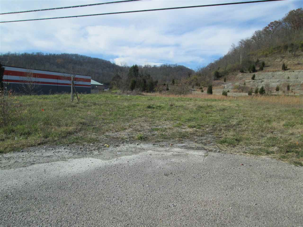 Photo 3 for 3388 Madison Pike Fort Wright, KY 41017