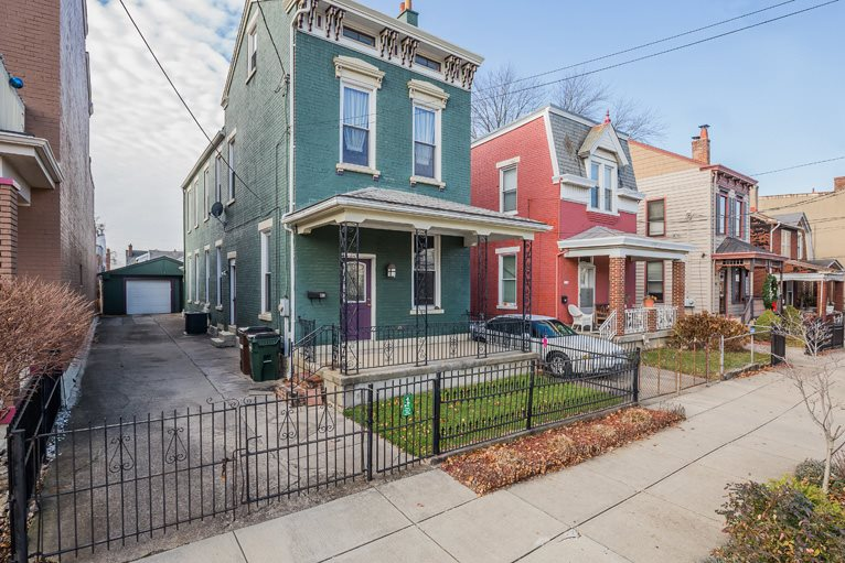 real estate photo 1 for 1118 Central Ave Newport, KY 41071