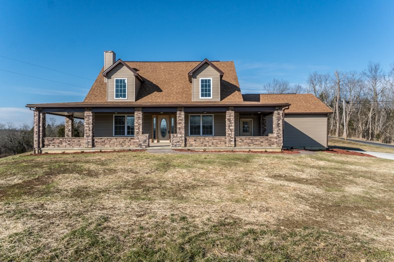 real estate photo 1 for 4825 Heekin Lawrenceville Williamstown, KY 41097