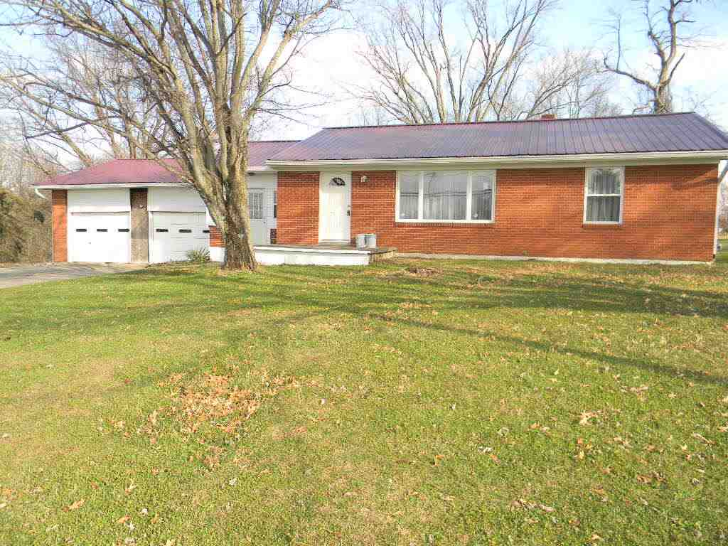 real estate photo 1 for 904 N Main St Williamstown, KY 41097