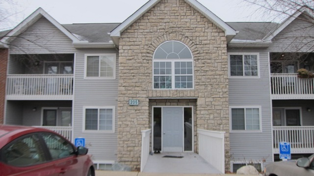 Photo 1 for 205 Cave Run Dr, 4 Erlanger, KY 41018
