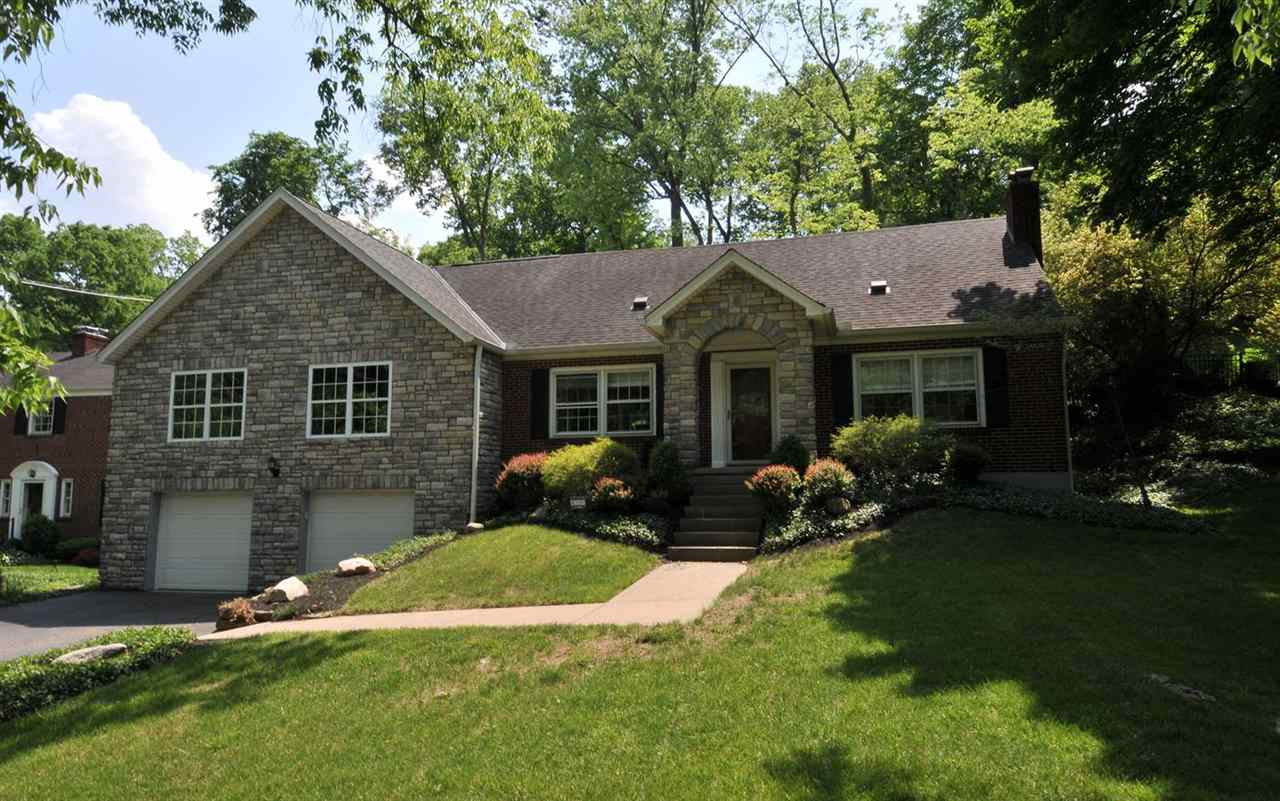 real estate photo 1 for 1061 Montague Rd Park Hills, KY 41011