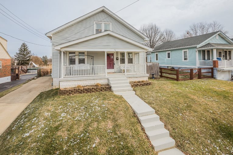 real estate photo 1 for 39 Crestwood Ave Highland Heights, KY 41076