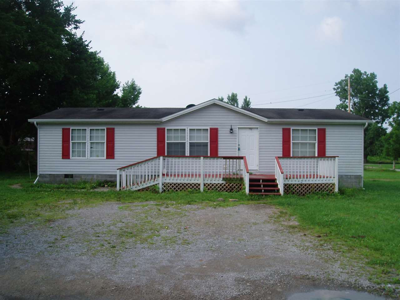 real estate photo 1 for 107 Bell Dr. Cynthiana, KY 41031