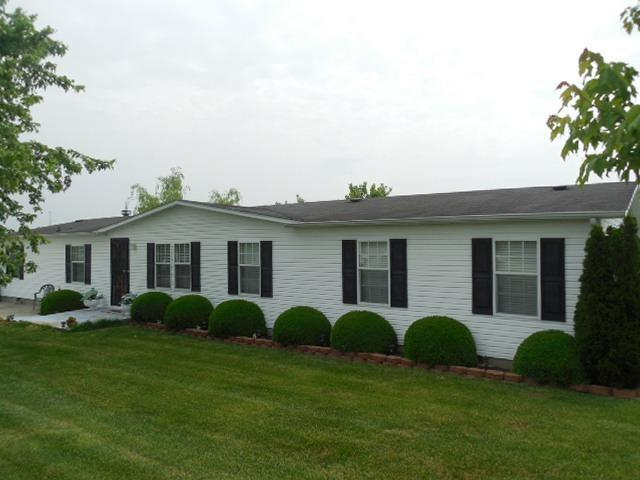 real estate photo 1 for 28 Cardinal Dr Falmouth, KY 41040