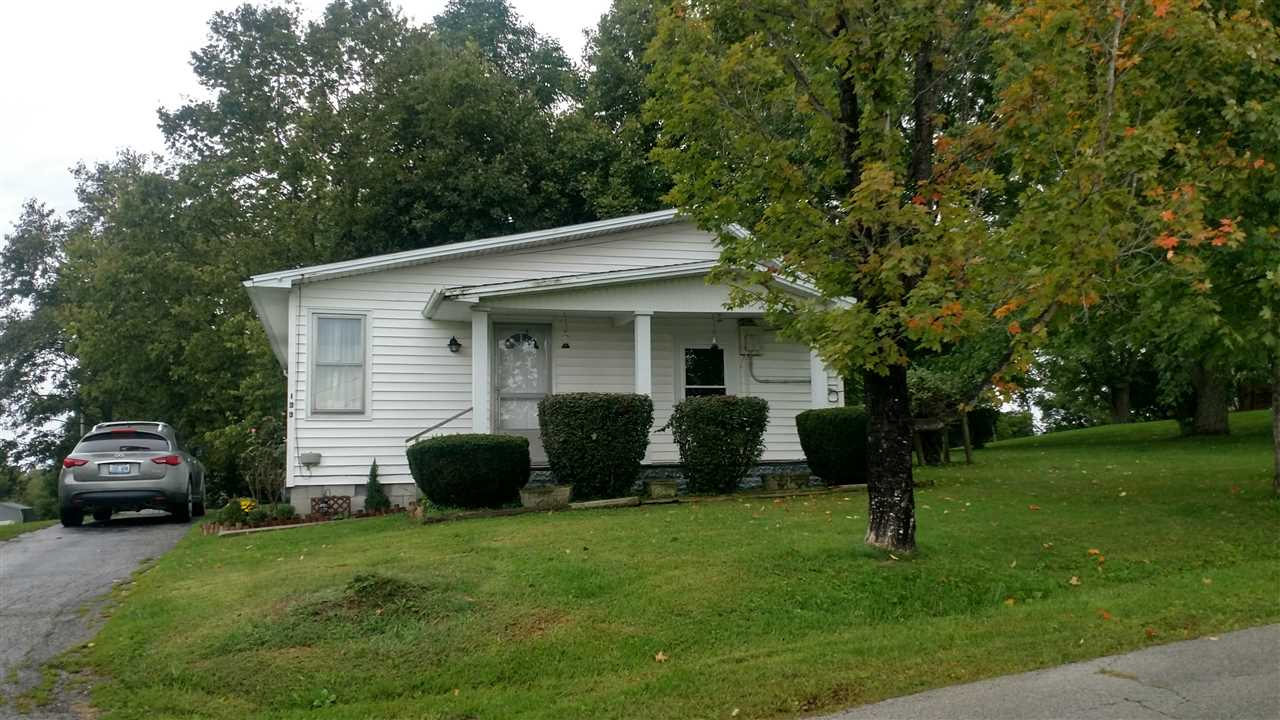 real estate photo 1 for 133 Ray St Carlisle, KY 40311