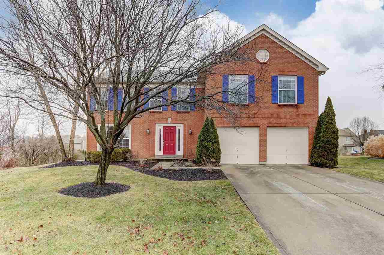 real estate photo 1 for 665 Westerly Dr Crescent Springs, KY 41017