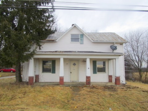 Photo 1 for 27 Knoxville Dry Ridge, KY 41035