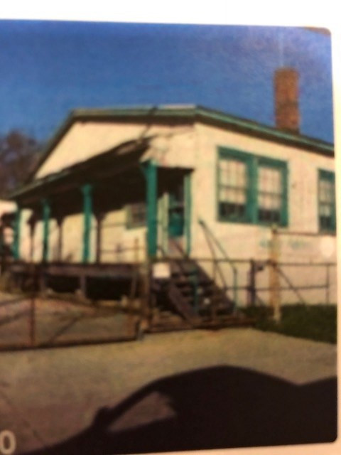 Photo 1 for 431 S Main Williamstown, KY 41097
