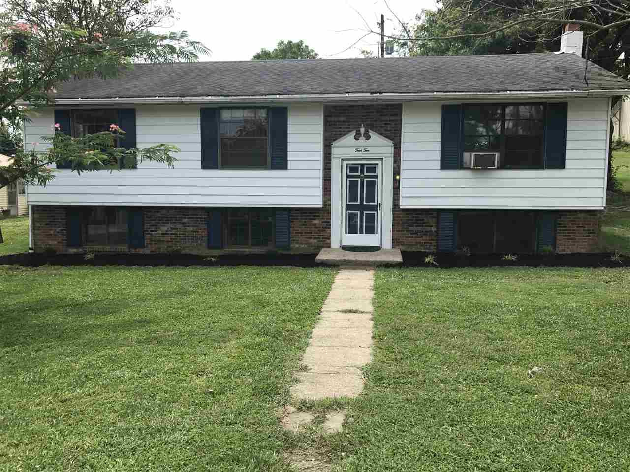 Photo 1 for 410 S MAIN St Owenton, KY 40359