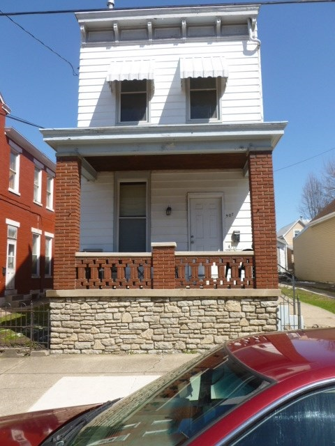 Photo 1 for 907 Columbia St Newport, KY 41071