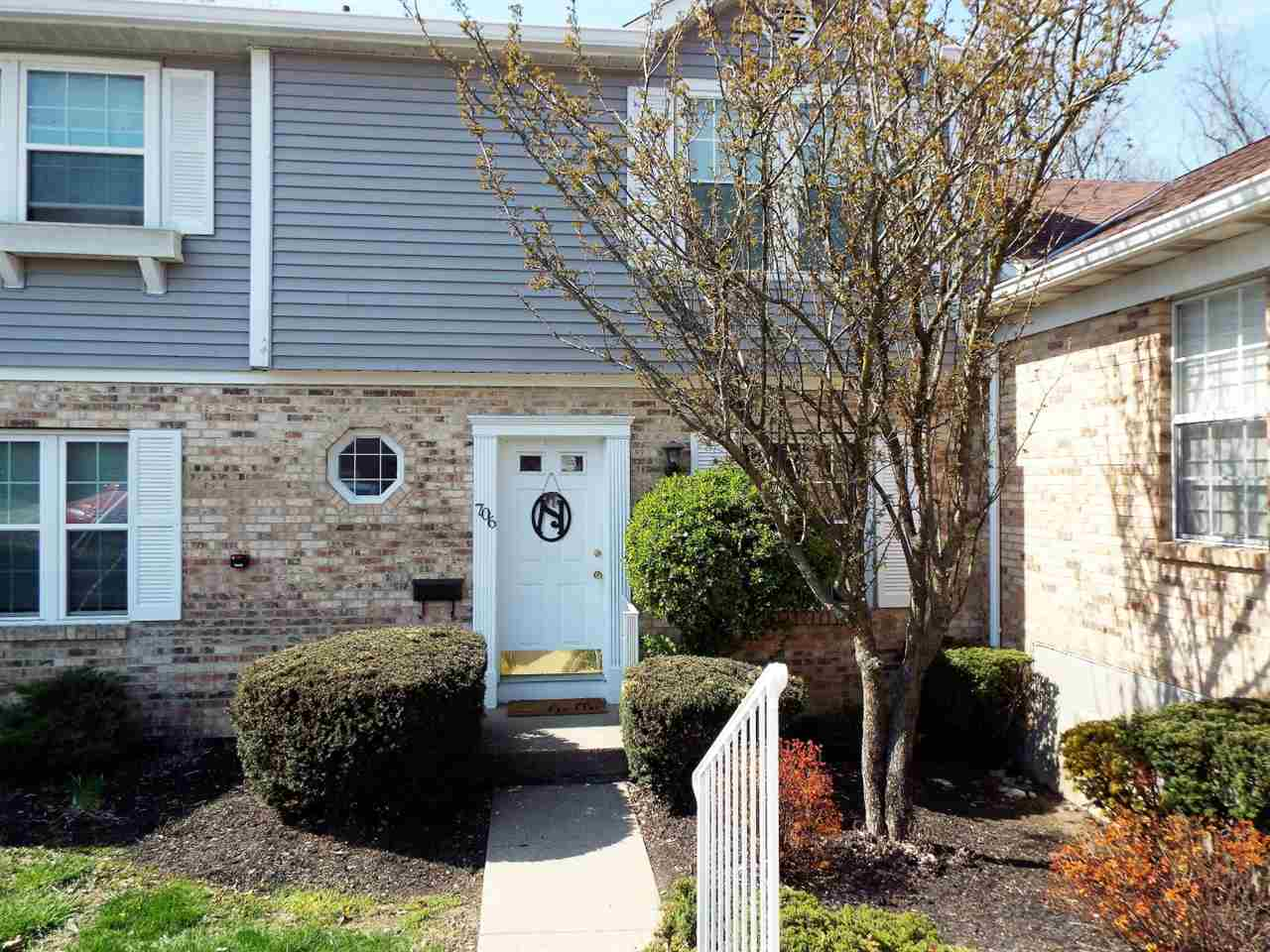Photo 1 for 706 Highland Trc Highland Heights, KY 41076