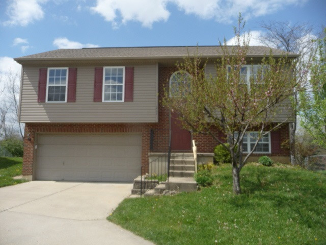 Photo 1 for 824 Virginia Bradford Ct Elsmere, KY 41018