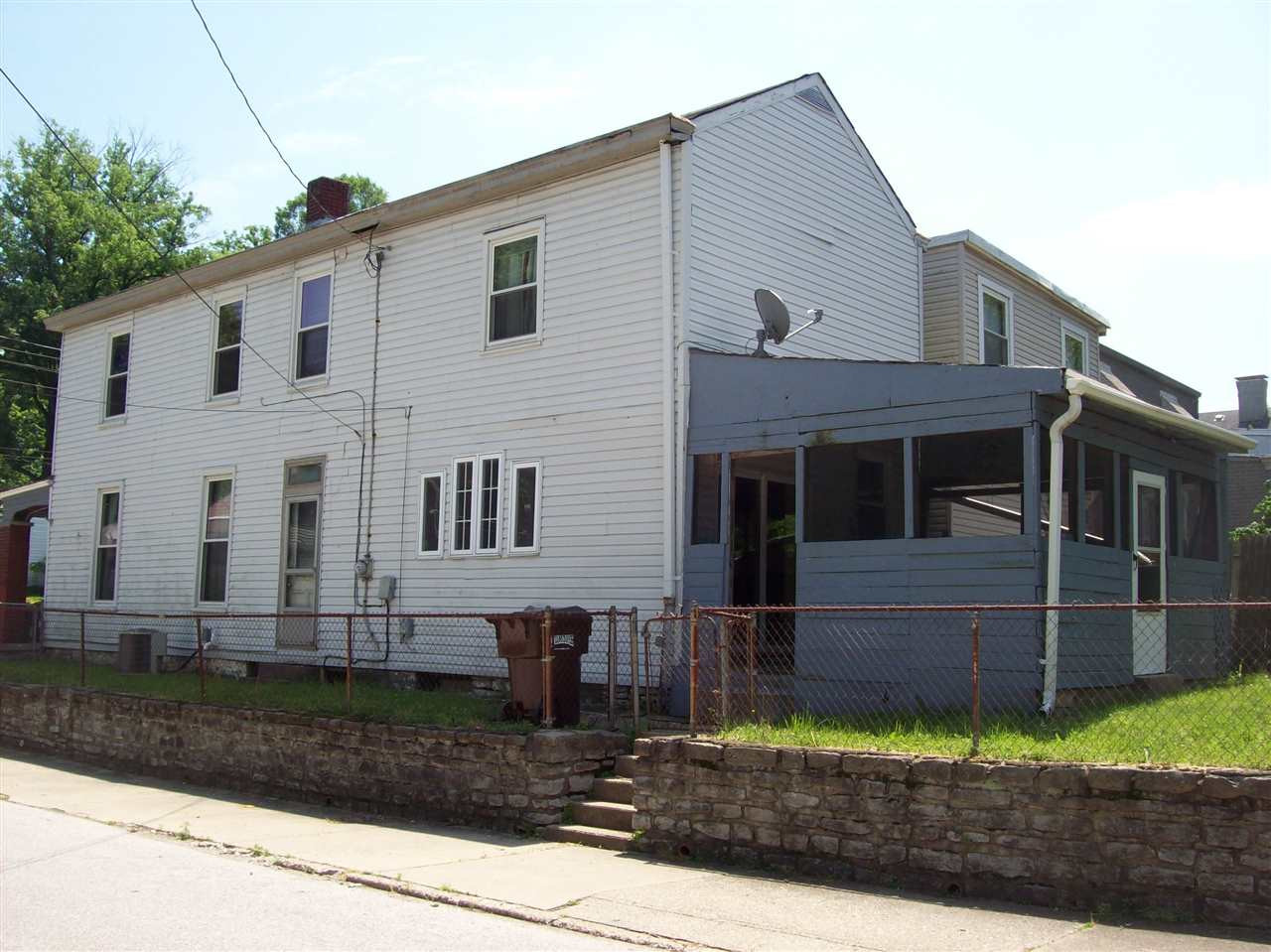 Photo 2 for 10 Euclid St Ludlow, KY 41016