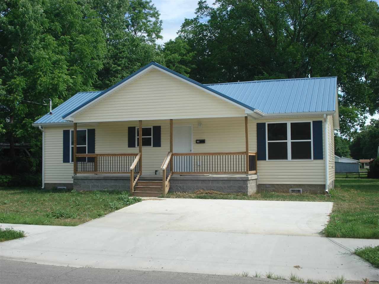 Photo 1 for 210 W Mill St Cynthiana, KY 41031