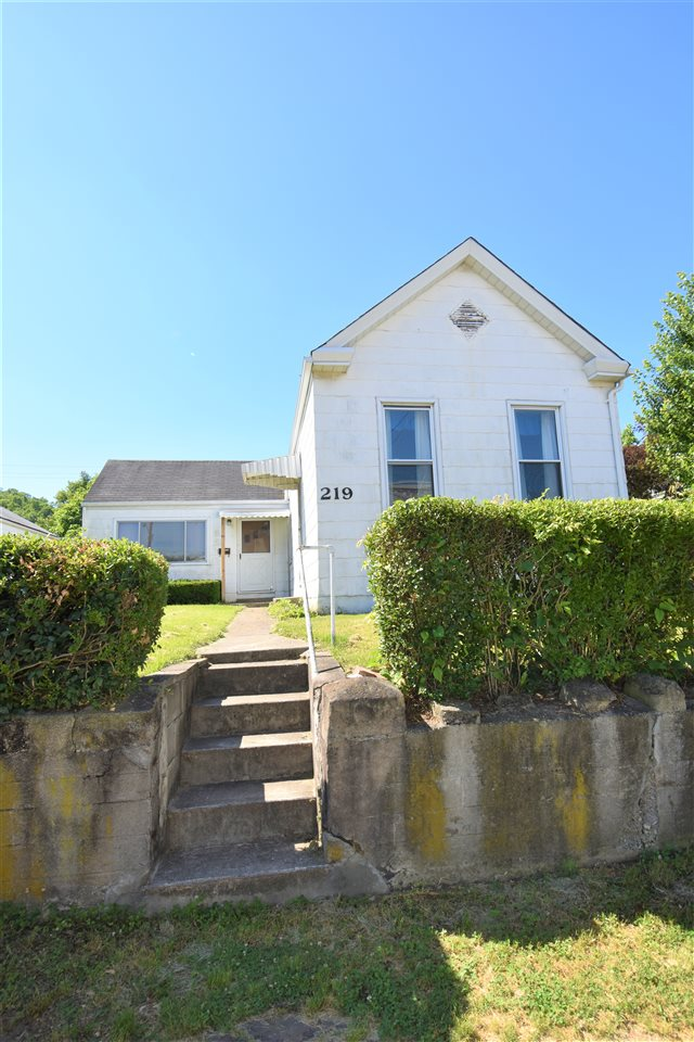 Photo 1 for 219 Oak St Ludlow, KY 41016