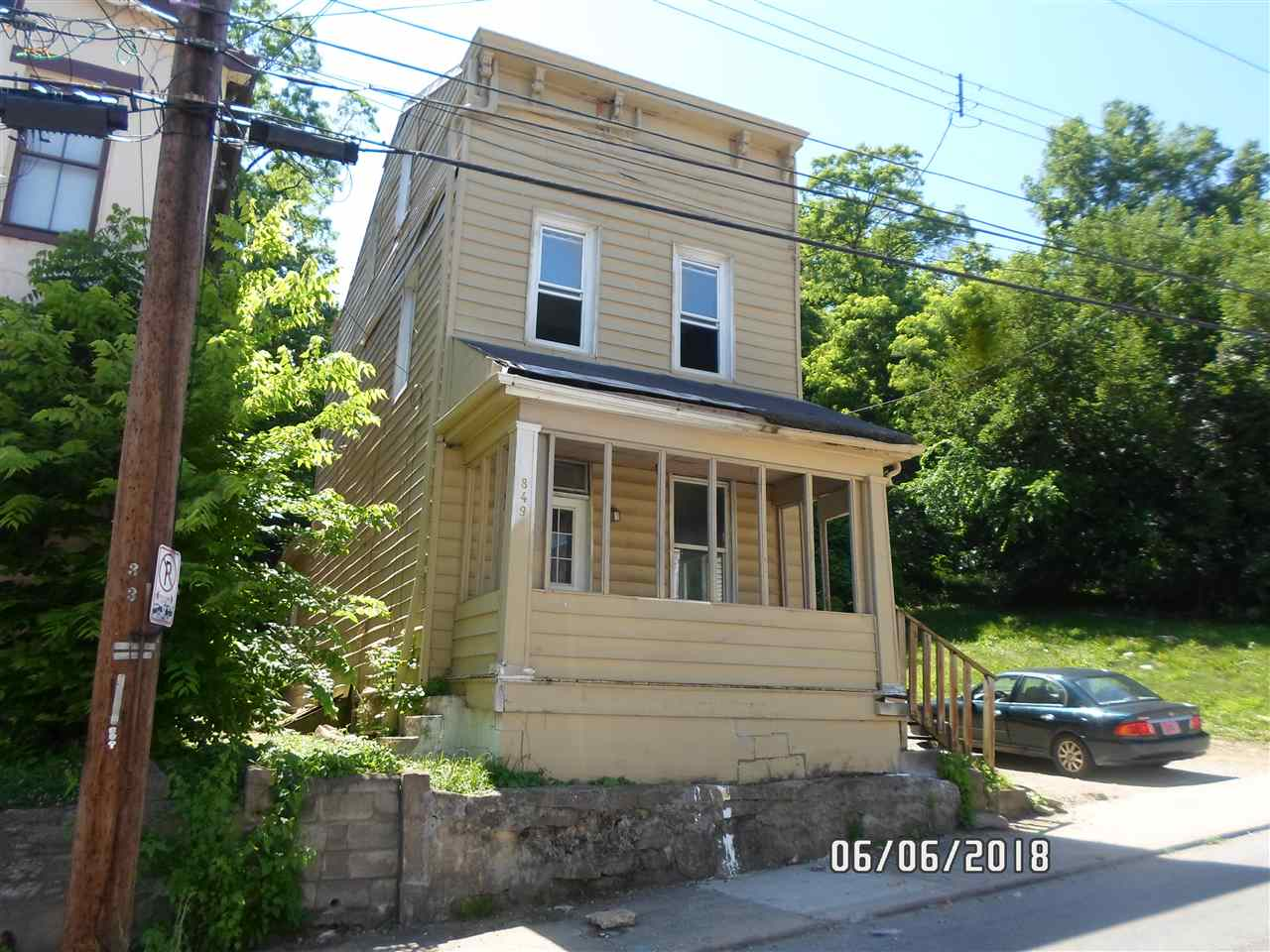 Photo 1 for 849 Crescent Ave Covington, KY 41011