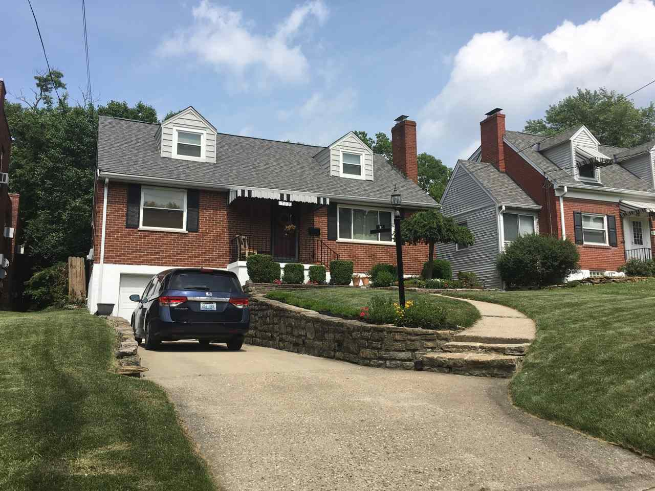 Photo 1 for 702 Saint Joseph Ln Park Hills, KY 41011
