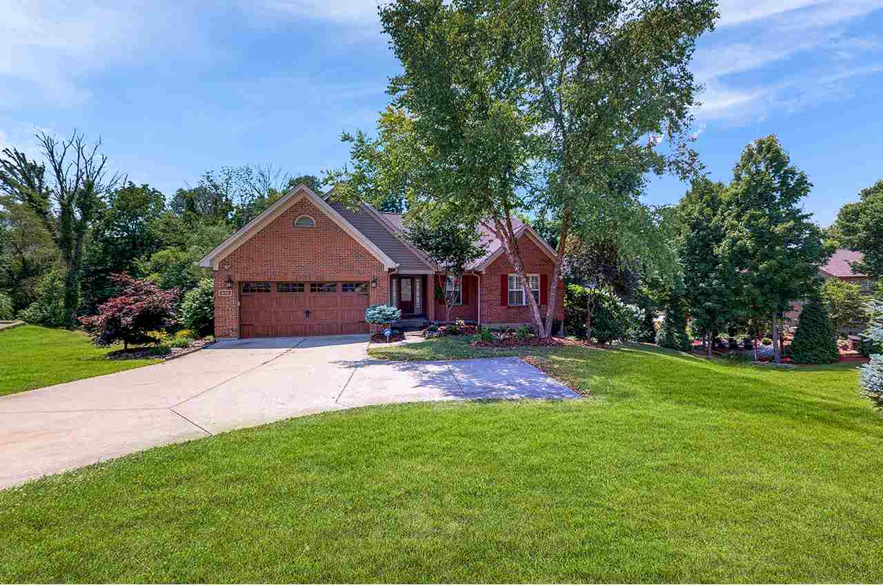 Photo 1 for 430 Foxhunt Dr Walton, KY 41094
