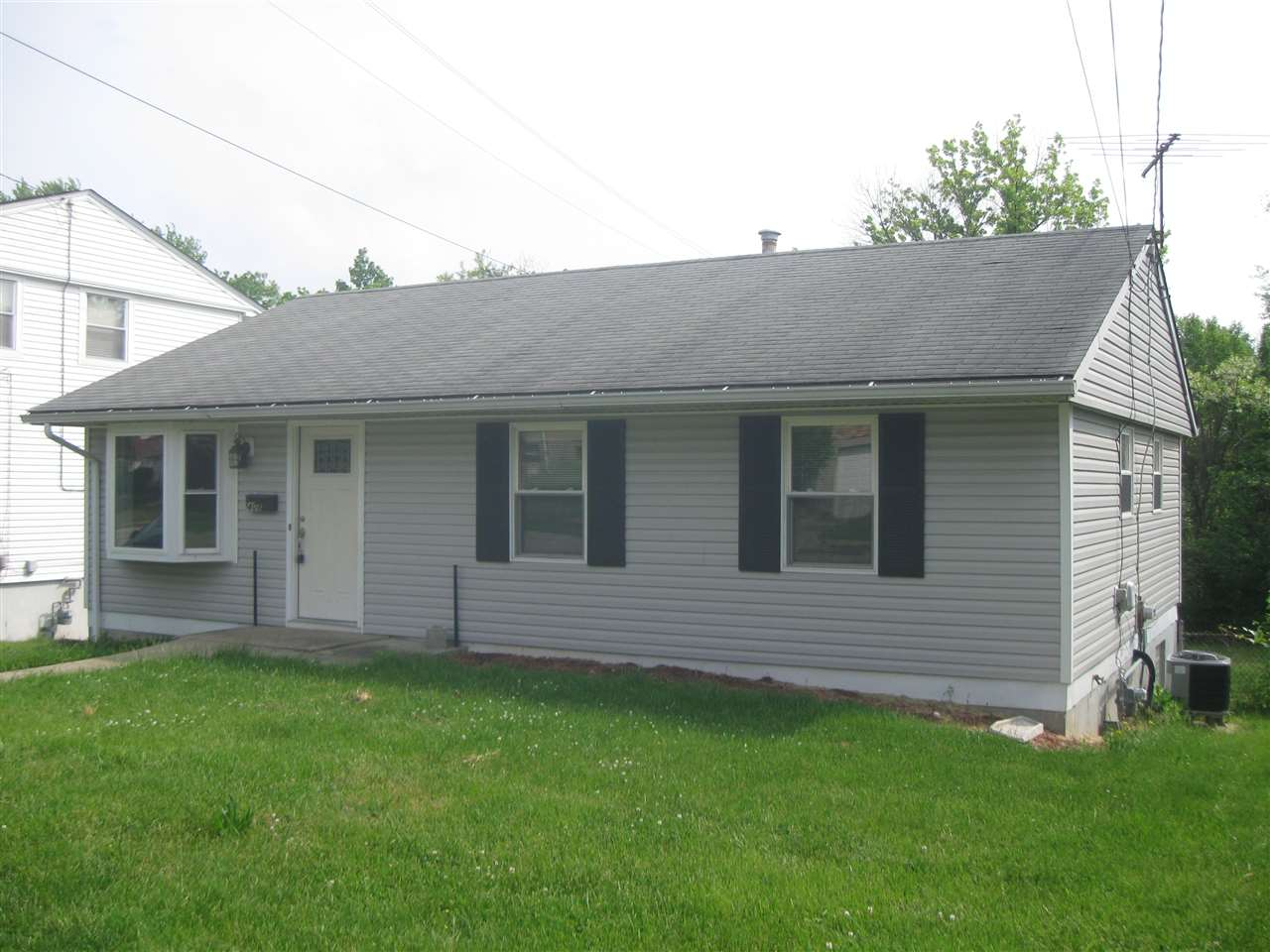 Photo 1 for 408 Caldwell Dr Elsmere, KY 41018
