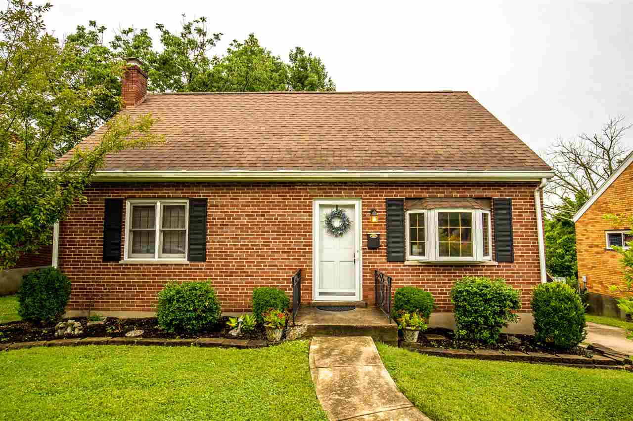 Photo 1 for 404 Swan Cir Elsmere, KY 41018