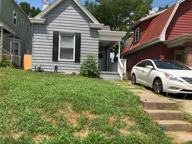 Photo 1 for 110 E 42nd St Latonia, KY 41015