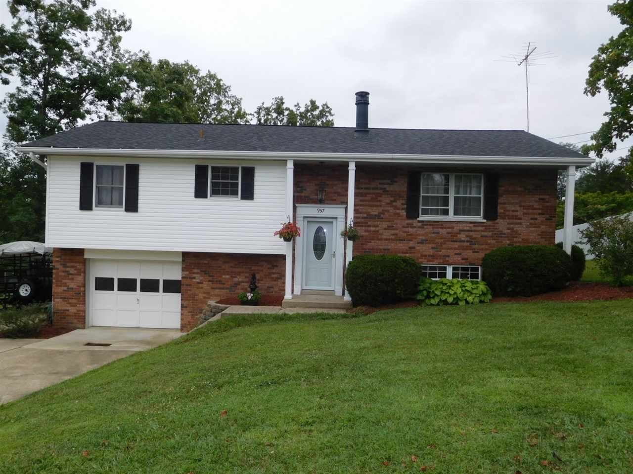 Photo 1 for 957 Hillview Rd Alexandria, KY 41001