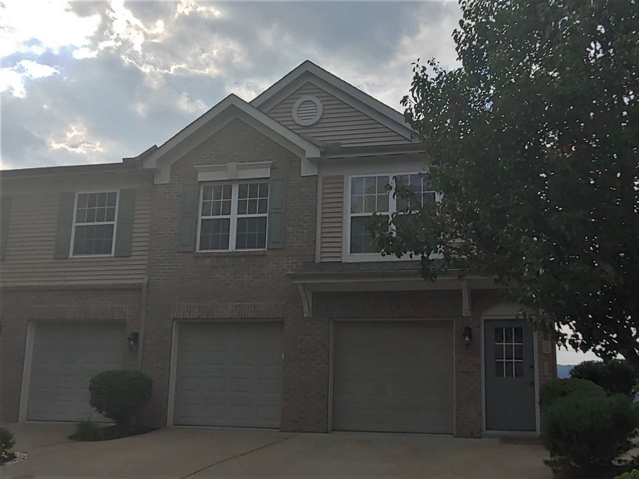 Photo 1 for 345 Skyview Court, 345 Ludlow, KY 41016