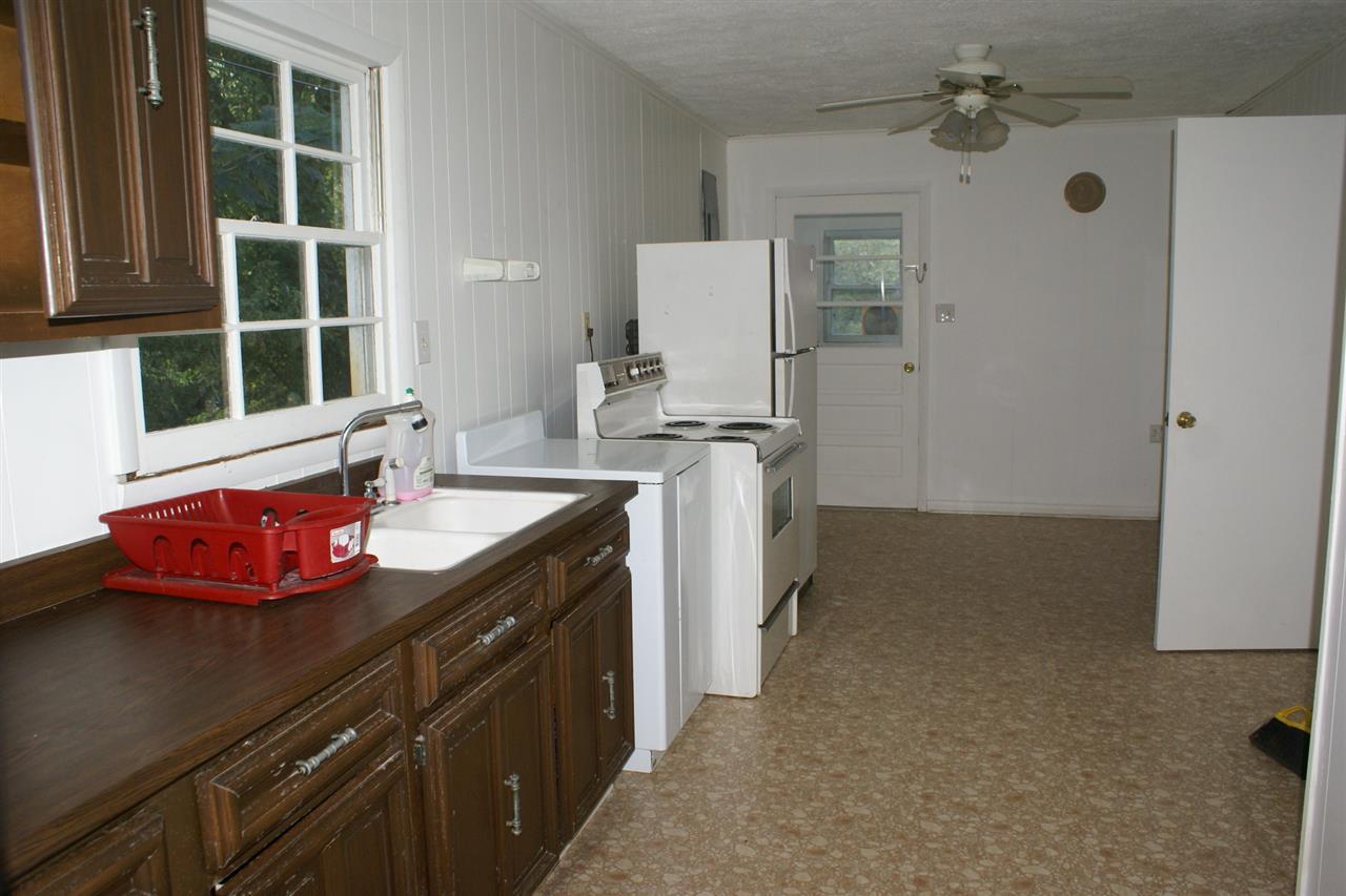 Photo 3 for 655 Crittenden St Gratz, KY 40359