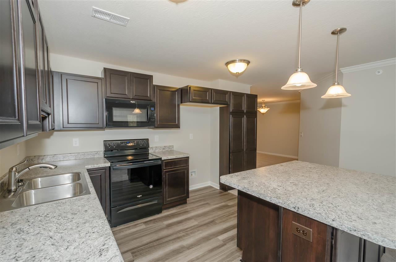 4084 Country Mill Rdg, 20-10