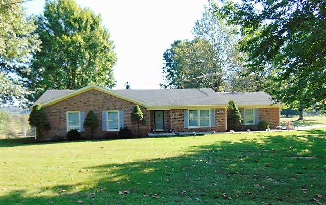 Photo 1 for 725 Whippoorwill Perry Park, KY 40363