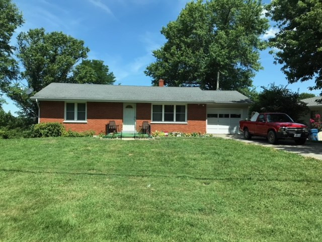 Photo 1 for 300 Sunset Dr Williamstown, KY 41097