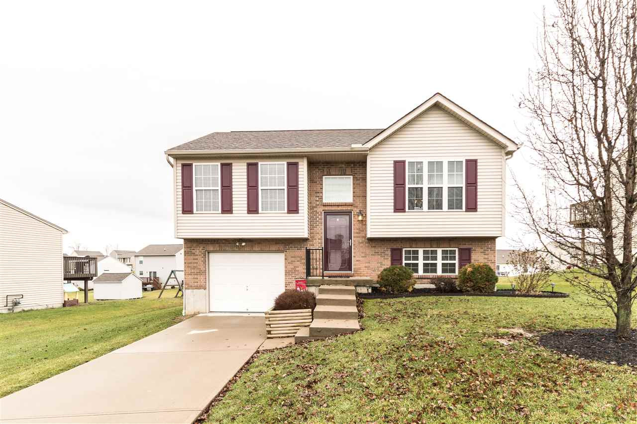 Photo 1 for 329 Rocky Pointe Ct Walton, KY 41094