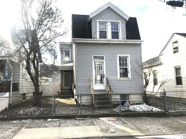 Photo 1 for 422 Thornton St Newport, KY 41071