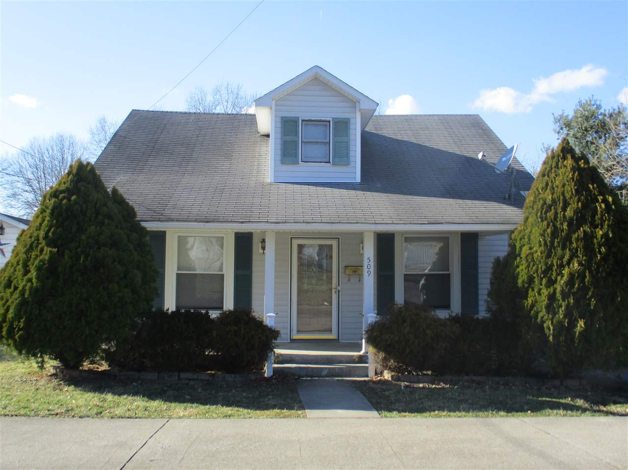 Photo 1 for 509 Beech St Falmouth, KY 41040