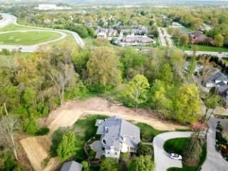 Photo 2 for 9 Whitehouse Dr Crestview Hills, KY 41017