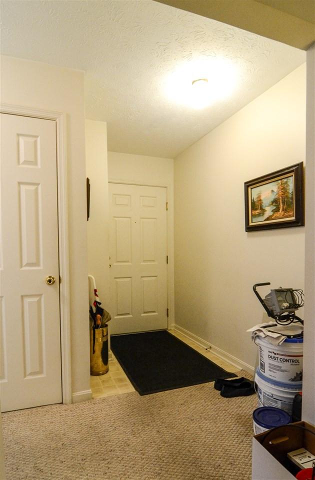 Photo 3 for 28 Highland Meadows Cir, 4 Highland Heights, KY 41076